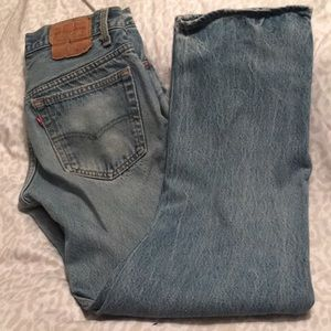 Men's 32x33 Levi's 501 button fly jeans.